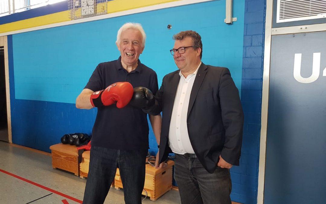 SPD-Fraktionsmitglieder im Boxtraining