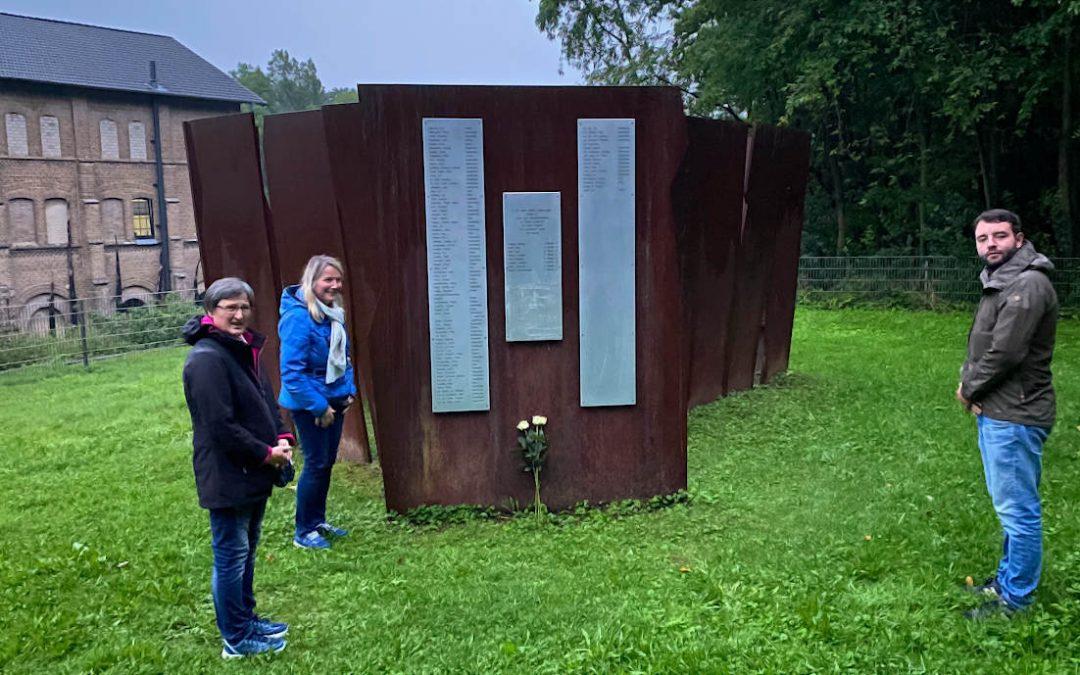 SPD legt Blumen am Mahnmal Augustaschacht nieder