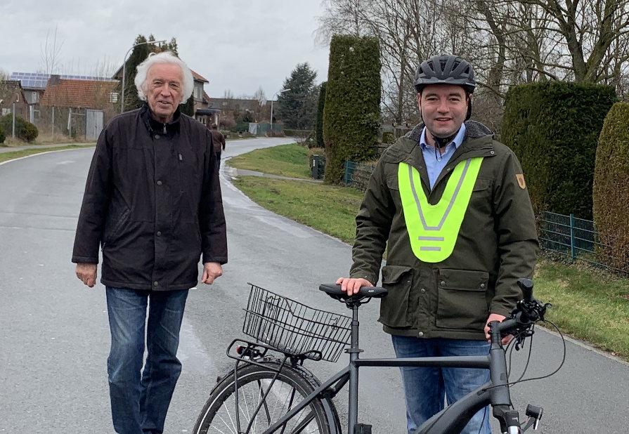 Heiko Dölling und Bürgermeisterkandidat Adrian Schäfer
