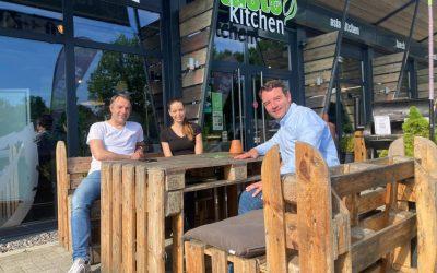 Adrian Schäfer zu Besuch bei Taste Kitchen