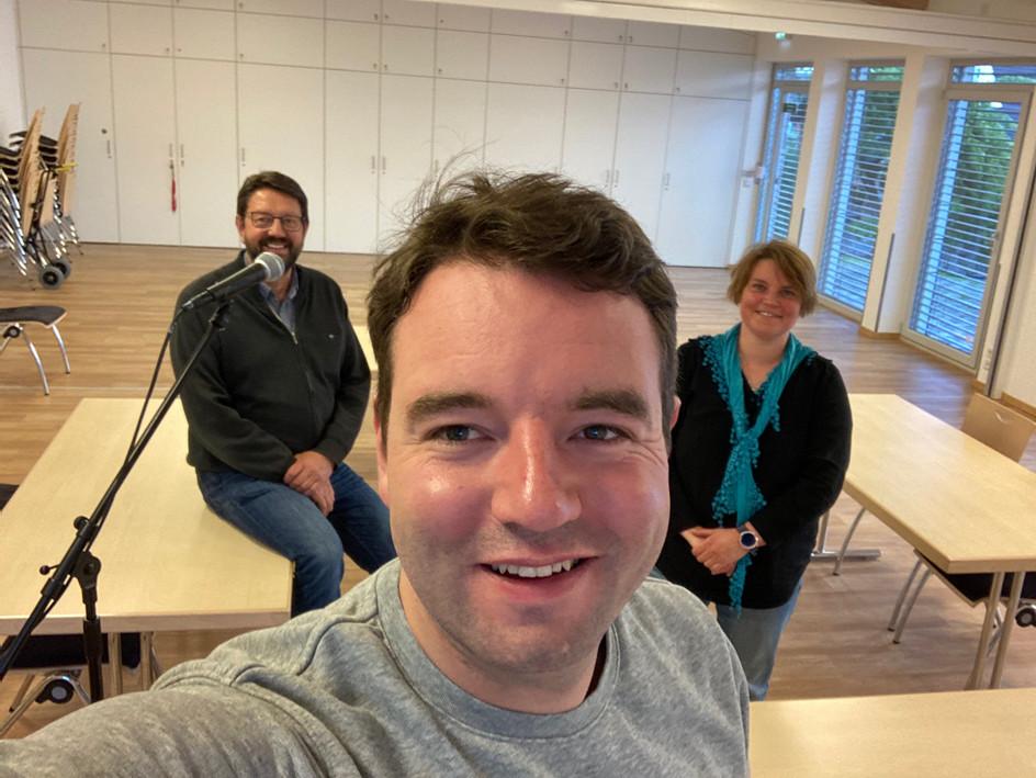 v. l.: Peter Schröder, Bürgermeisterkandidat Adrian Schäfer und Andrea Schreiner
