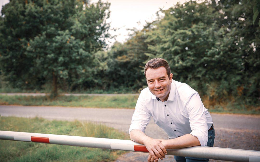 Wahlen am 26.09.: Bürgermeisterkandidat Adrian Schäfer fordert mehr Wahlkabinen und mehr Wahlhelfende in Hasbergen